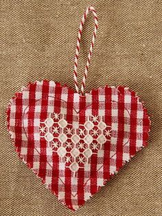 chicken scratch -- fast and easy ... cute ornament