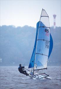 http://www.onsail.de/bilder/RS700helden.jpg Sailing Elbe, Hamburg!!