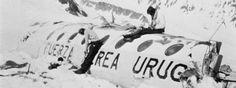 La Vanguardia. Renacer en la cima de los Andes.  Se cumplen 40 años del rescate de los supervivientes del accidente aéreo ocurrido en los Andes chilenos, después de una odisea humana de 72 días