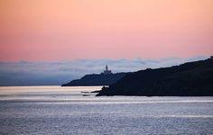 """Arrivo all'alba  #pantelleria #isoladipantelleria #ilovepantelleria #bepantelleria #vivapantelleria #pantelleriaisland #sicilia #sicily  #ig_sicilia #volgoitalia #mediterraneansea  #sunrise #sunrises #lighthouse #italy #italiainunoscatto  #italianlandscapes #italian_trips #best_italiansites #travel #travelling #ig_travel  #traveltheworld #ilovetravel #travelphotography #letmetravel #travelblogger #instago #picoftheday"" by @paoletta_fotoeviaggi. #pic #picture #photos #photograph #foto…"