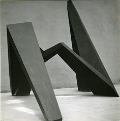 La serpiente del Eco, 1953 - Mathias Goeritz. Foto: Armando Salas Portugal