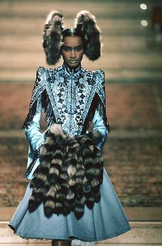 Alexander McQueen for Givenchy Haute Couture 'Eclect Dissect', F/W 1997/1998, Inspiration from butterfly whorls, disks of hair. fur.  Hair styles and headwear by Nicolas Jurnjack, Makeup by Val Garland, Styling by Katy England