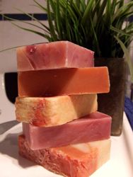Soap Making Tutorial · Bath and Body | CraftGossip.com