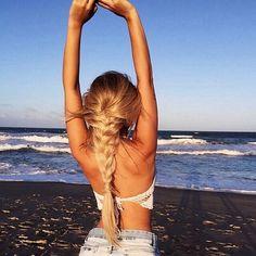 Image via We Heart It https://weheartit.com/entry/154212760/via/24007711 #beach #blonde #body #boho #braid #brain #brunette #coast #fit #girl #girly #hair #hairstyle #health #healthy #hippie #hipster #longhair #shorthair #summer #tan #teenage #thin #thinspiration #thinspo #tumblr #fitspo #fitspiration