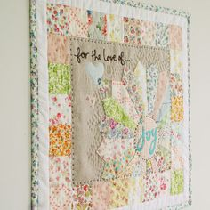 I had to repin - My original pin did not go directly to the post. And it was just too pretty. I have about 6 quilts to make and then I am going to learn to do this. nanaCompany mini quilt wall hanging