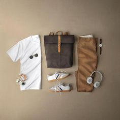 Designer menswear is gaining more and more popularity with time and soon men will catch up with women both on the runway and on the streets. Designers have found a new market in mens clothes and th… Rugged Style, Best Mens Fashion, Mens Fashion Suits, Stylish Mens Outfits, Mens Attire, Men Style Tips, Style Men, Style Ideas, Casual Street Style