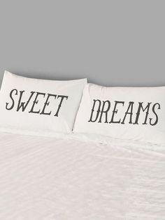 Sleep Tight Pillowcase Set//