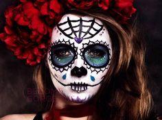 Halloween-Best-Calaveras-Makeup-Sugar-Skull-Ideas-for-Women (34)