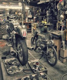 Inside the garage that produces Cafe Racer gold Motorcycle Workshop, Motorcycle Shop, Motorcycle Garage, Motorcycle Style, Motorcycle Outfit, Mechanic Garage, Bmw Cafe Racer, Moto Cafe, Cafe Racers