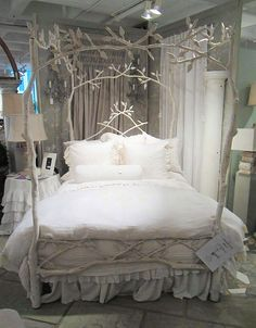 I'm not a romantic person but... who wouldn't love this bed?