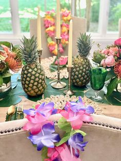 Hawaiian party theme. Birthday party ideas, teenager birthday, tropical birthday party Summer Party Themes, Birthday Party Themes, Teenager Birthday, Girl Birthday, Vintage Kids Fashion, Got Party, Tropical Party, Milestone Birthdays, Party Entertainment