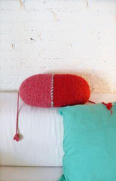 Pillow Crochet Marrakech    Red and Pink por lacasadecoto en Etsy, €24.00