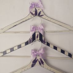 Heather hangers by OldCraftStories on Etsy