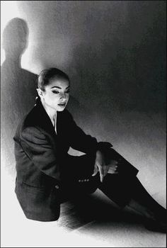 Sade Photo: Sade - A great female singer Sade Adu, Marvin Gaye, Diamond Life, Women In Music, Provocateur, Portraits, Female Singers, Record Producer, Movies