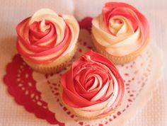Two tone rose - butter cream frosting Cupcake Rose, Cupcake Icing, Cupcake Art, Buttercream Frosting, Cupcake Cakes, Everything's Rosie, Swirl Cupcakes, Girls Birthday Party Themes, Birthday Ideas