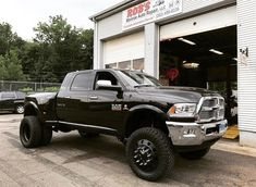 """527 Likes, 8 Comments - Fabtech Motorsports (@fabtech_motorsports) on Instagram: """"2016 RAM 3500 equipped with a Fabtech 7"""" Radius Arm System, 22"""" @americanforcewheels, and 37""""…"""""""