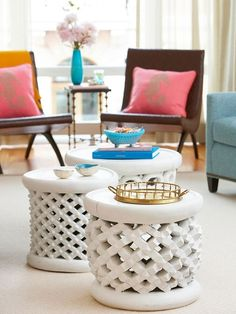 Flexible Furniture - garden stools can double as a coffee table and be rearranged as extra seating or drink tables for a party. // this website has many design ideas/solutions for small spaces. Home Design, Interior Design, Interior Decorating, Modern Design, Decorating Ideas, Design Ideas, Flexible Furniture, Unique Furniture, Luxury Furniture