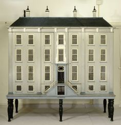 Grachtenhuis, Anonymous, 1760 (doll house cabinet with home exterior rather than a cabinet exterior)