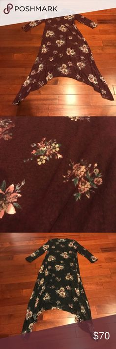 👗high low floral sweater dress Listing is for burgundy dress only Dresses High Low