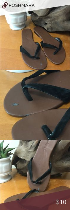 Colin Stuart Black Sandals 6.5 Perfect simple summer sandals. The only imperfections are on toe area. Pictured. Would look great with shorts or a dress or jeans! Colin Stuart Shoes Sandals