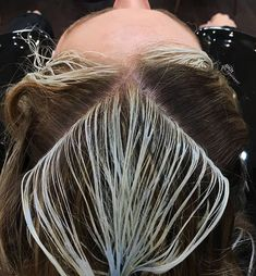To make your money pop you gotta have depth ✌🏼🤑 Hair Cutting Techniques, Hair Color Techniques, Work Hairstyles, Pretty Hairstyles, Bridal Hairstyles, Elegant Hairstyles, Indian Hairstyles, Ombre Hair, Balayage Hair
