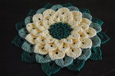 ❧Pretty Flowers, Crochet designs, diagrams, how to's and ideas Ravelry: The Crocodile Flower Crochet Puff Flower, Knitted Flowers, Crochet Flower Patterns, Crochet Designs, Freeform Crochet, Crochet Motif, Crochet Yarn, Crochet Stitches, Unique Crochet