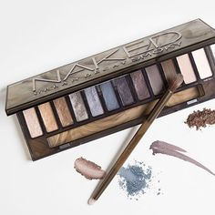 Where there's smoke, there's fire. The new Urban Decay Naked Smoky eye shadow palette is here!