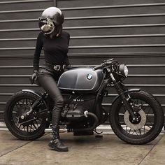 e Doll - RocketGarage - Cafe Racer Magazine Bmw Cafe Racer, Cafe Racer Girl, Cafe Bike, Cafe Racer Build, Bmw Ninet Racer, Motos Bmw, Bmw R100 Scrambler, Cafe Racer Motorcycle, Bmw Motorcycles