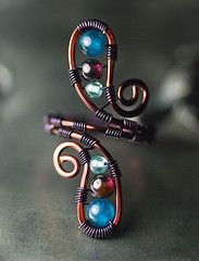 Love all the jewelry on this site!