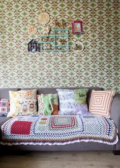Stylish ideas for crochet in the home - put together with an eclectic mix of pattern and colour to achieve that Granny Chic style. Estilo Kitsch, Granny Chic Decor, Decoracion Vintage Chic, Vintage Stil, Retro Vintage, Home And Deco, Decoration, Room Inspiration, Interior And Exterior