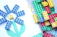 Preschool LEGO ispirato l'attività di matematica;  riconoscimento del numero e il numero di senso