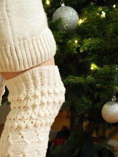 PITKÄT NEULOTUT SUKAT JOULUNA · Kristallikimara Leg Warmers, Fingerless Gloves, Socks, Womens Fashion, Design, Leg Warmers Outfit, Fingerless Mitts, Sock