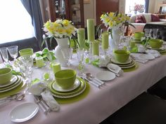 Tablescape using lime green and white