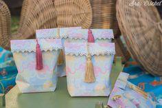 Bolsas de regalo y piñata handmade son algunas de las manualidades que estoy preparando para una fiesta infantil de Bollywood