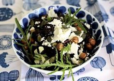Uunipunajuuri-juustosalaatti Acai Bowl, Breakfast, Food, Acai Berry Bowl, Morning Coffee, Essen, Meals, Yemek, Eten