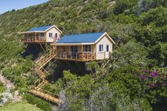 Holiday guesthouse Just For Two in Wilderness, bordering Garden Route National Park, close to the beach. The place for a romantic getaway or honeymoon stay. Wilderness South Africa, Holiday Accommodation, Garden Borders, Romantic Getaway, Travel Destinations, National Parks, Cottage, Cabin, Kingfisher