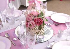 http://www.bowshire.co.uk/centrepieces/products/images/bird_cages/images/large2.jpg