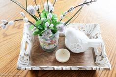 Faça um vaso bonito da lata da lata e adicione uma dose da felicidade a sua decoração home!  Clique para obter detalhes do projeto e uma lista completa de suprimentos.