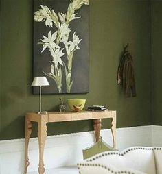 ¿Qué te parece este ambiente verde oliva con madera? - Puedes ver más ideas en el siguiente artículo: www.estiloydeco.com/ambientes-verdes-con-madera/