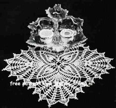 Four Square    Doilies  Star Doily Book No. 151  American Yarn Company