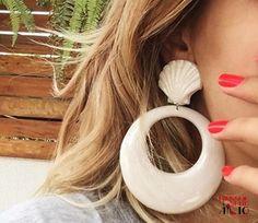 Alerta de tendência… Brincos de Resina! www.minissaiaesaltoalto.com.br