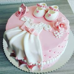 Such a cute and unique baby shower or birthday cake. The D… – baby kuchen - Baby Shower Baby Cakes, Baby Christening Cakes, Baby Birthday Cakes, Cupcake Cakes, Baby Baptism, 1st Birthday Cake For Girls, Baptism Cakes, Pink Cakes, Birthday Kids
