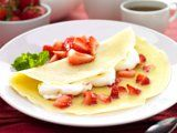 Resep Cake, Pancakes, Strawberry, Drink, Breakfast, Ethnic Recipes, Food, Teepees, Meal