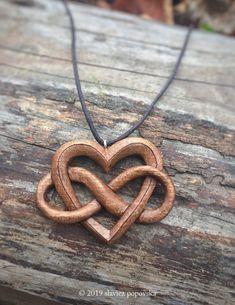 Dremel Wood Carving, Wood Carving Art, Bone Carving, Wood Carvings, Celtic Spiral, Celtic Heart, Wood Carving Designs, Wood Carving Patterns, Infinity Necklace