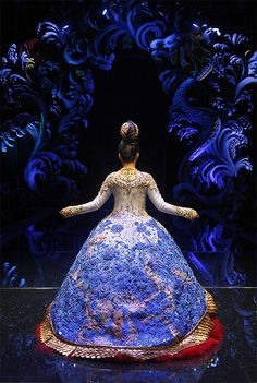 Singapore Asian Couture - Guo Pei