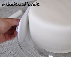 Make-a-Cake Series: Estelle Part 1—Cover a cake with fondant