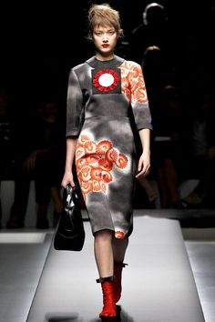See the complete Prada Spring 2013 Ready-to-Wear collection.