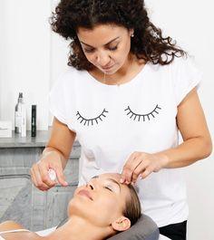 Tus cejas siempre perfectas con nosotros! Infórmate de nuestros tratamientos exclusivos! miramexxl.com