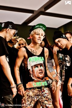 G-Dragon, you look so fantastic with that hairstyle! BEST VID EVER!
