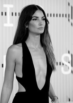 """""""If fashion is a religion vogue is the bible. Flat Chested Fashion, Gorgeous Women, Beautiful People, Lily Aldridge, Fashion Week, Fashion Hair, Celebs, Celebrities, Pretty Woman"""